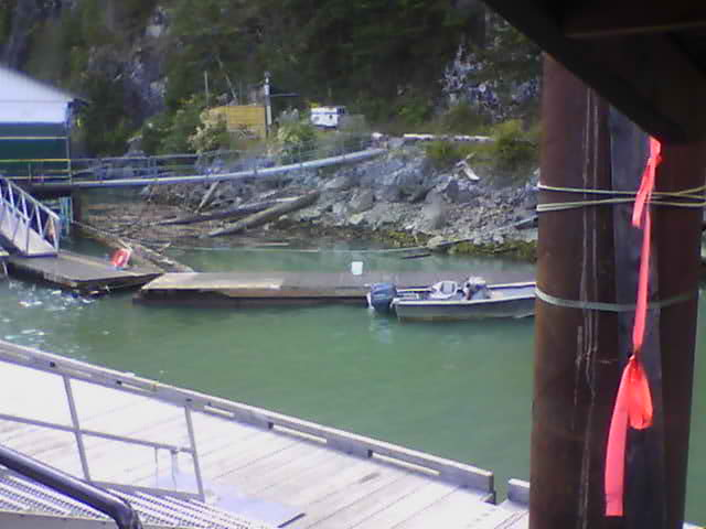 Live webcam of channel in front of Ole's Fishing Lodge